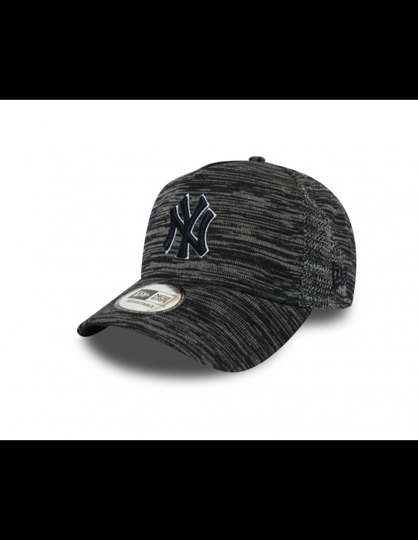 New Era Engineered Fit Trucker cap NY Yankees - Black