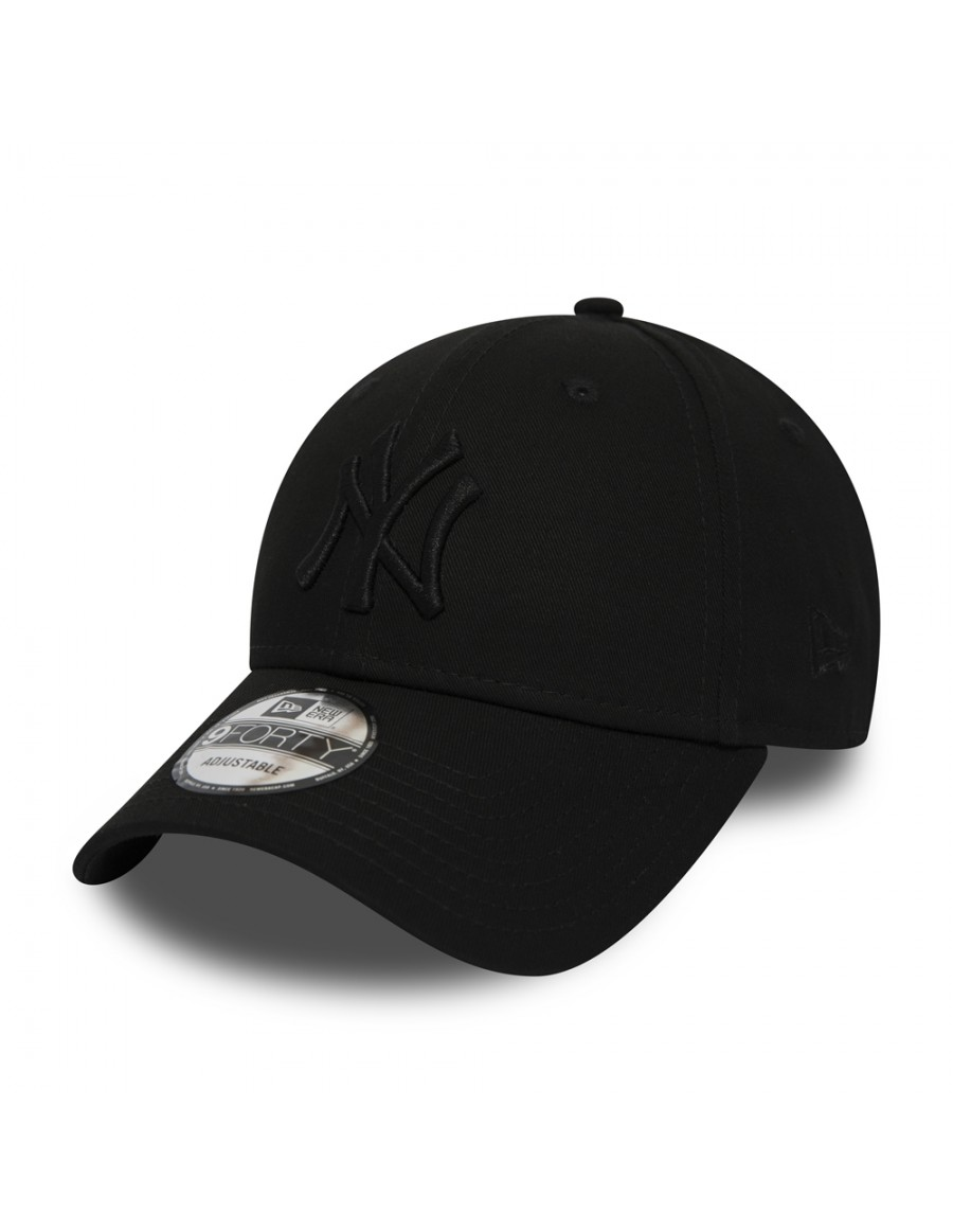 New Era 9Forty Curved cap (940) NY Yankees - Black on Black Snapback