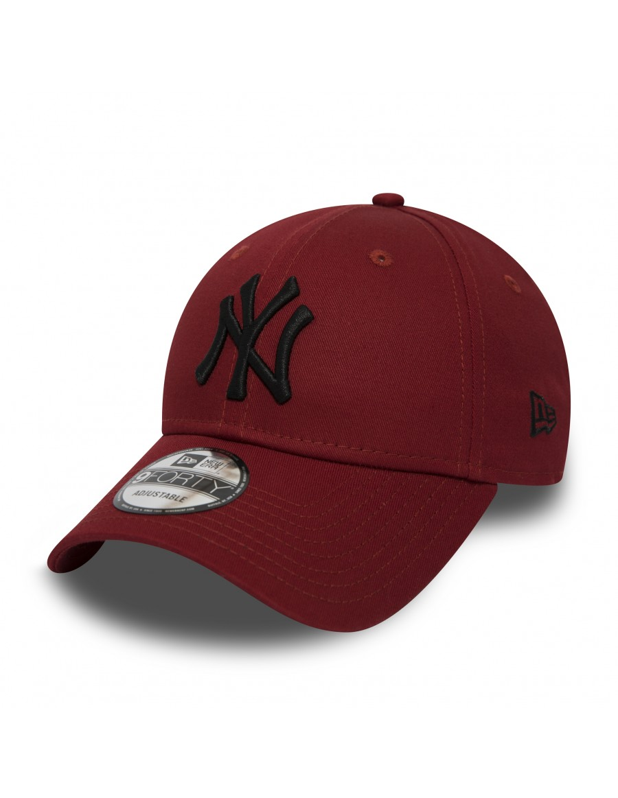New Era 9Forty Curved cap (940) NY Yankees - Black on Red