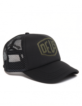 DEUS Trucker cap Raised Shield - black