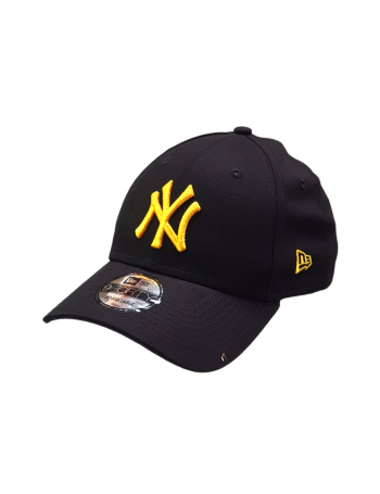 New Era 9Forty Curved cap (940) NY Yankees - Gold on black